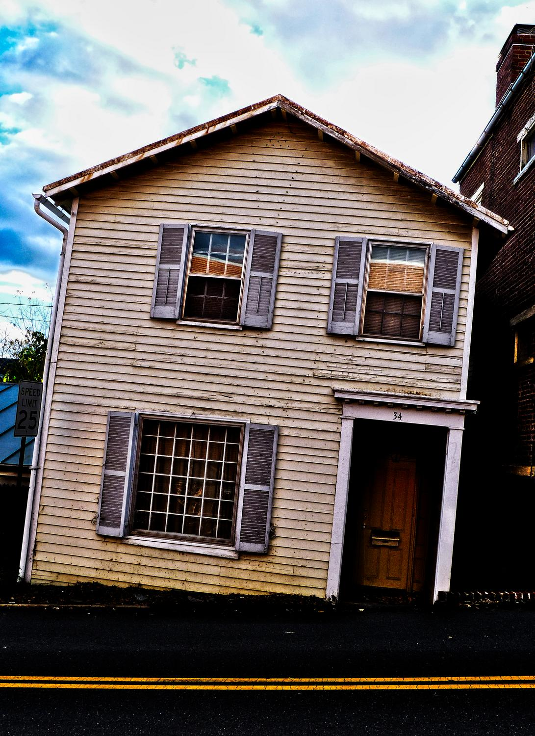 - Warrenton, Virginia-  Panasonic DMC-FZ35 - One of the famous tilting houses of Warrenton. - Tony Karp, design, art, photography, techno-impressionist, techno-impressionism, aerial photography , drone , drones , dji , mavic pro , video , 3D printing - Books -